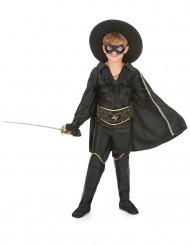 Disfarce justiceiro mascarado rapaz