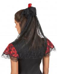 Véu preto com rosa vermelha mulher espanhola