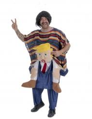 Disfarce mexicano às costas de Donald adulto