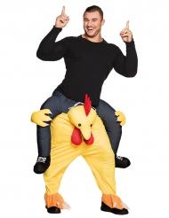 Disfarce homem às costas de uma galinha