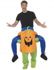 Disfarce homem às costas de uma abóbora terrível adulto