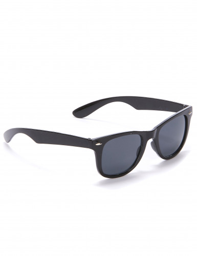 Óculos pretos anos 50